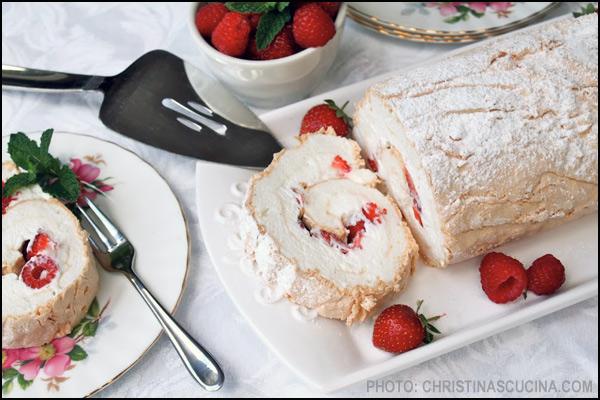 Berry-Roulade |Christinas Cucina