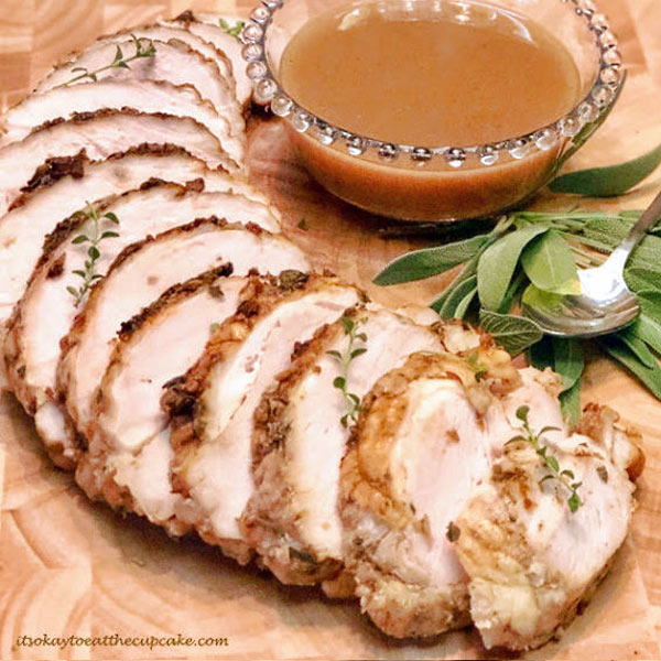 Herb Turkey Breast with Gravy | Photo by Sue Burns | It's Ok to Eat the Cupcake