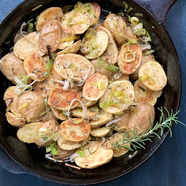 Roasted Potatoes with Caramelized Leeks in pan
